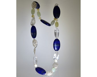 Necklace with lapizlazuli and other stones