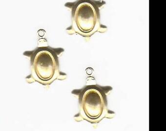 Little brass turtle pendant