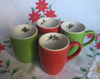 Set of 4 mugs with red and green Christmas Decor birds