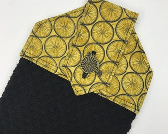 Black and gold bicycle hanging hand towels, black towels, gold hand towel, summer kitchen towels, spring towels, bicycle kitchen decor
