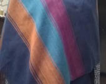 Custom made scarf with handmade looms