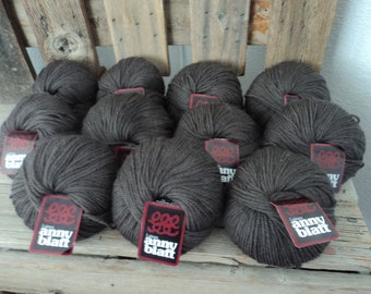 Anny Blatt 100%  Superwash Pure New Wool 50 g  -  100 yards each  Made in France Color 2160 Brown