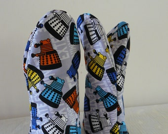 Oven Gloves - bright and colourful tardis