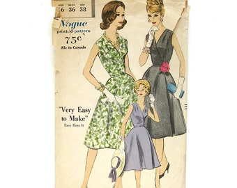 1960s Vintage Sewing Pattern / Vogue 5036 Madman Easy To Make WRAP Dress / Size 15 Bust 36