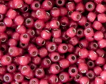 15/0 Toho Seed Beads - 5 grams - silver lined milky pomegranate - 4104 - Toho 15-2113 Milky Pomegranate