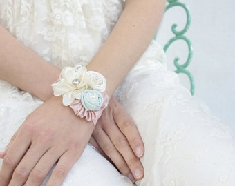Wrist corsage, fabric flowers corsage, Wedding corsage for Mothers, Sisters, Women,prom corsage