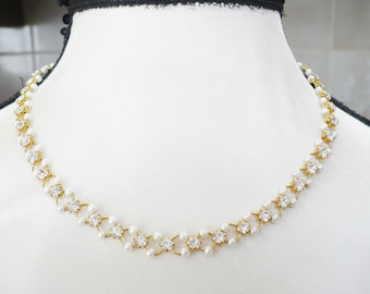 Delicate Pearl and RHINESTONE Choker Necklace - gold tone metal - 16 inch - intertwined chain - vintage bridal - Bridesmaid gift - WEDDING