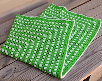 Vintage Afghan in Green / Green White Checkered Blanket / Vintage Crochet Knitted Afghan