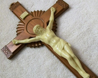 Vintage Crucifix, Old Vintage Crucifix, Christian Crucifix, Plastic Crucifix, Christian Religious Cross, Jesus on the Cross, Religious Cross