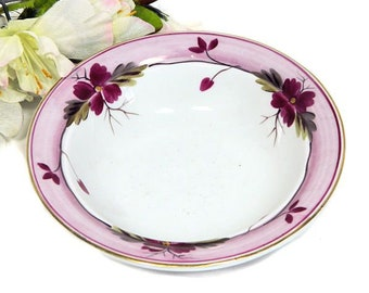 Early 19th Century Staffordshire Pink Lusterware Small Fruit Bowl