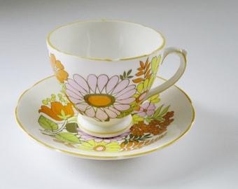 Mid Century Modern Daisy Tea Cup and Saucer, Retro Flower Power Teacup Set, Vintage Tea Cup, Hippie Cup and Saucer, Tea Cup and Saucer