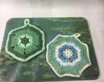 """Pot Holders Trivets (2) Cotton Potholders Double Thickness Cotton Green 6.5"""" x 6.5"""" and Green White Blue 6.75"""" x 6.75"""""""