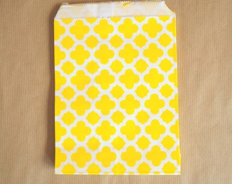5 paper bags, yellow and white 13 x 18 cm