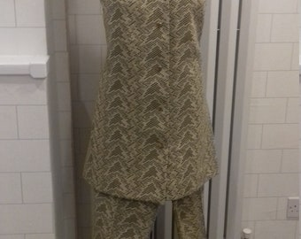 Fab vintage Lerose crimpelene hold and navy suit
