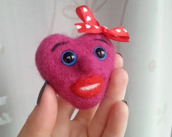 Valentines day heart Felted needle heart Wedding gift Wool toy for her Felt gift for him Home decor Smiling face Heart with a bow