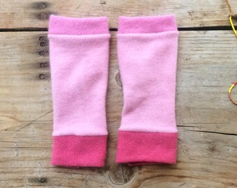 Fingerless gloves in pinks cashmere, wrist warmers, typing gloves