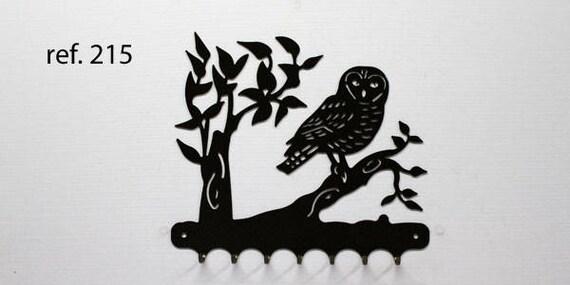 Key grip metal motif: OWL