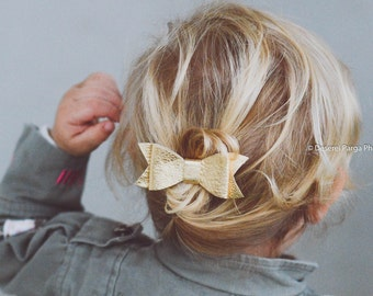 Baby Gold bow, baby girl bows, hair accessories for girls, girl barrettes, gold bow, leather hair bow, bow clips, hair bows for toddlers