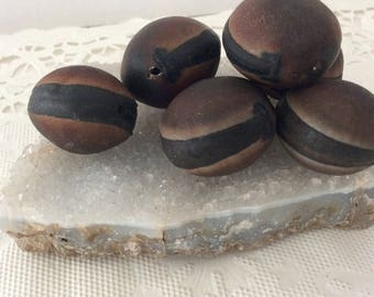 Ojo de Buey - Natural - Hawaii - drilled sea beans - hamburger beads - Mucuna seeds - Ox Eye Seeds - brown seeds - Hawaiian - collectible