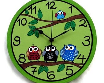 Green Wall Clock With Owls Painting