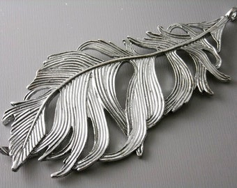 CHARM-FTH-AS-87MM - Extra Large, Life-Like, Feather Charm in Antique Silver - 1 pcs