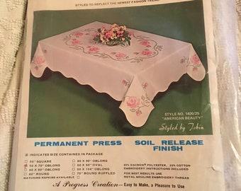 "Vintage tablecloth oblong 50x70"" permanent press"