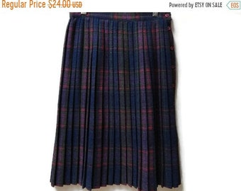 "SALE Plaid Wool Pleated Skirt - Vintage - Schoolgirl - Size S 26"" waist"