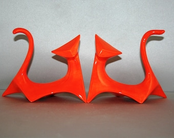 ORDER a matching PAIR of Modern Cats with CHOICE of colors and fall in love with this retro 1964 mold