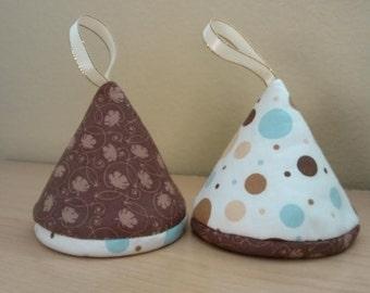 Triangle Potholder Set of 2 / Gift for under 10 dollars