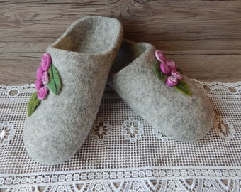 Felted slippers for women Women's slippers with roses Handmade slippers House shoes Felt gray slippers Warm Wool slippers