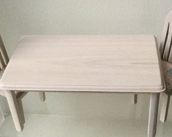 Dollhouse Miniature Dining Table and 4 Chairs  (VF)