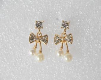 Vintage Gemstones Pearl Ribbon Earrings