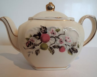 Vintage Small Teapot For One. Sadler Cube Individual Vintage Tea Pot With Apples And Blossom. Tea For One Teapot, Holds Two Cups. So Pretty