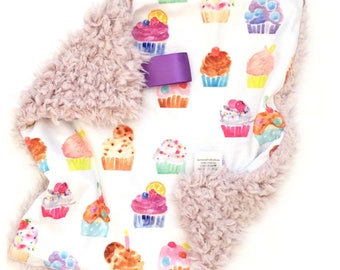 READY TO SHIP. Cupcake blanket, Baby girl lovey, Baby blanket, small blanket, baby girl, baby loivie, baby lovey, cupcake lovey, minky lovey