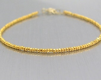 24K Gold Glass Bead Bracelet, Dainty Beaded Bracelet, Seed Bead Bracelet, Delicate Dainty Bracelet, Minimal Modern, Thin Bracelet