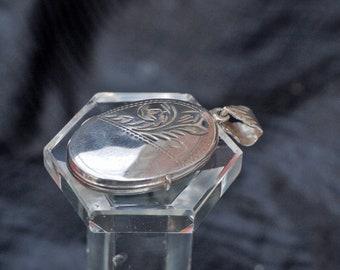 Vintage Silver Engraved  Oval Photo Locket