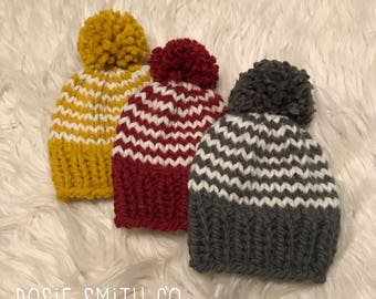Knit Baby Hat // Hand Knit Baby Beanie // Chunky Knit Baby Hat // Baby Beanie // Knit Pom Pom Hat // Photo Prop Hat // Child Chunky Beanie