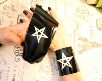 Latexion Accessorize! Latex  Pentagram cuffs - pair