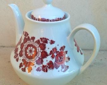 Vintage Bulgarian Kettle, Teapot, Porcelain Tea Pot. Made in Bulgarian Fine porcelain tea pot, Red and White Colours Teapot