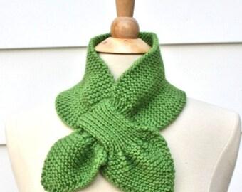 Spring green knit scarf, keyhole scarf, unique scarf, warm winter scarflette, women's scarf, women's winter accessory, knit ascot