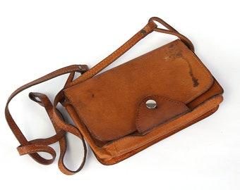 70s Messenger Tan Leather Bag, Tooled Leather Handbag, Crossbody woman Bag, Adjustable Shoulder Strap Military Bag, School Bag, iPhone bag