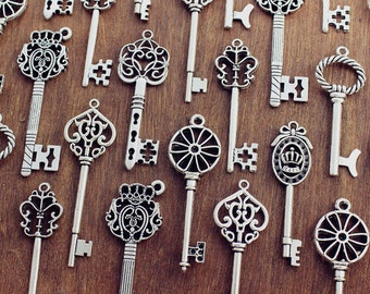 70 Skeleton Key Collection Antiqued Silver Wedding Key  jewelry supply Victorian steampunk keys