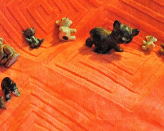 Minatures  6 Bears, One Kaula and One Unknown
