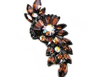 Claudette Mahogany Brooch Unsigned