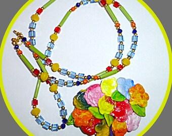Oval flowers pendant