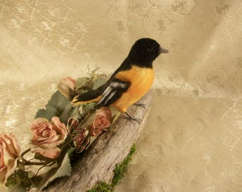 Felted Bird,Baltimore Oriole Bird,Vibrant Orange Oriole
