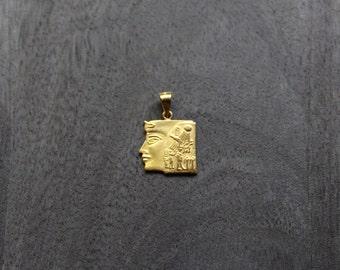 Gold Queen Nefertiti Pendant (18k gold) Egyptian