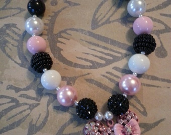 Minnie Chunky Necklace Black Pink White