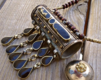 Black aqeeq necklace- Afghan jewelry- Afghan amulet necklace- Vintage amulet necklace- Bohemian ethnic jewelry- Beaded necklace- Bedouin