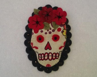 Day of the Dead, Dia De Los Muertos Felt Brooch Pin - red eyes flowers